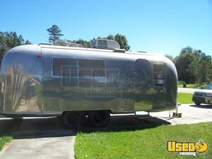 Vintage Airstream Snoball Shaved Ice Concession Trailer for Sale in Louisiana!!!