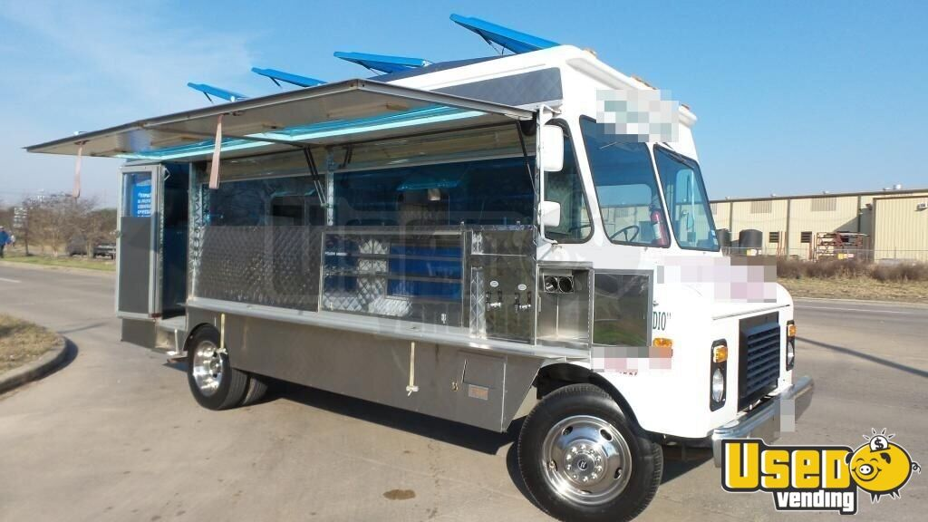 Used Trucks For Sale In Texas >> Used Chevy P30 Lunch Truck in Texas for Sale | Canteen Truck | Food Truck | Mobile Kitchen