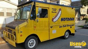Chevy P30 Food Truck for Sale in New Jersey!!!
