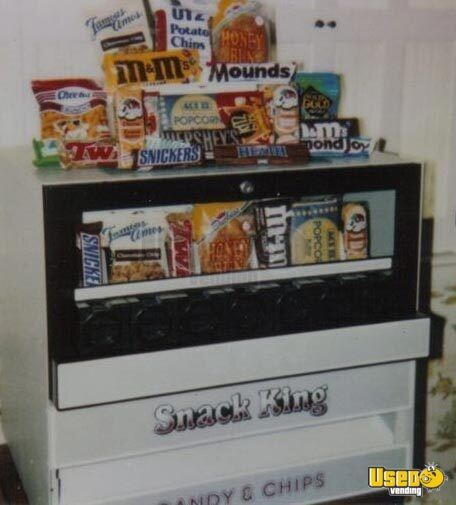 ... Snack King Mechanical Candy / Chips Countertop Vending Machines