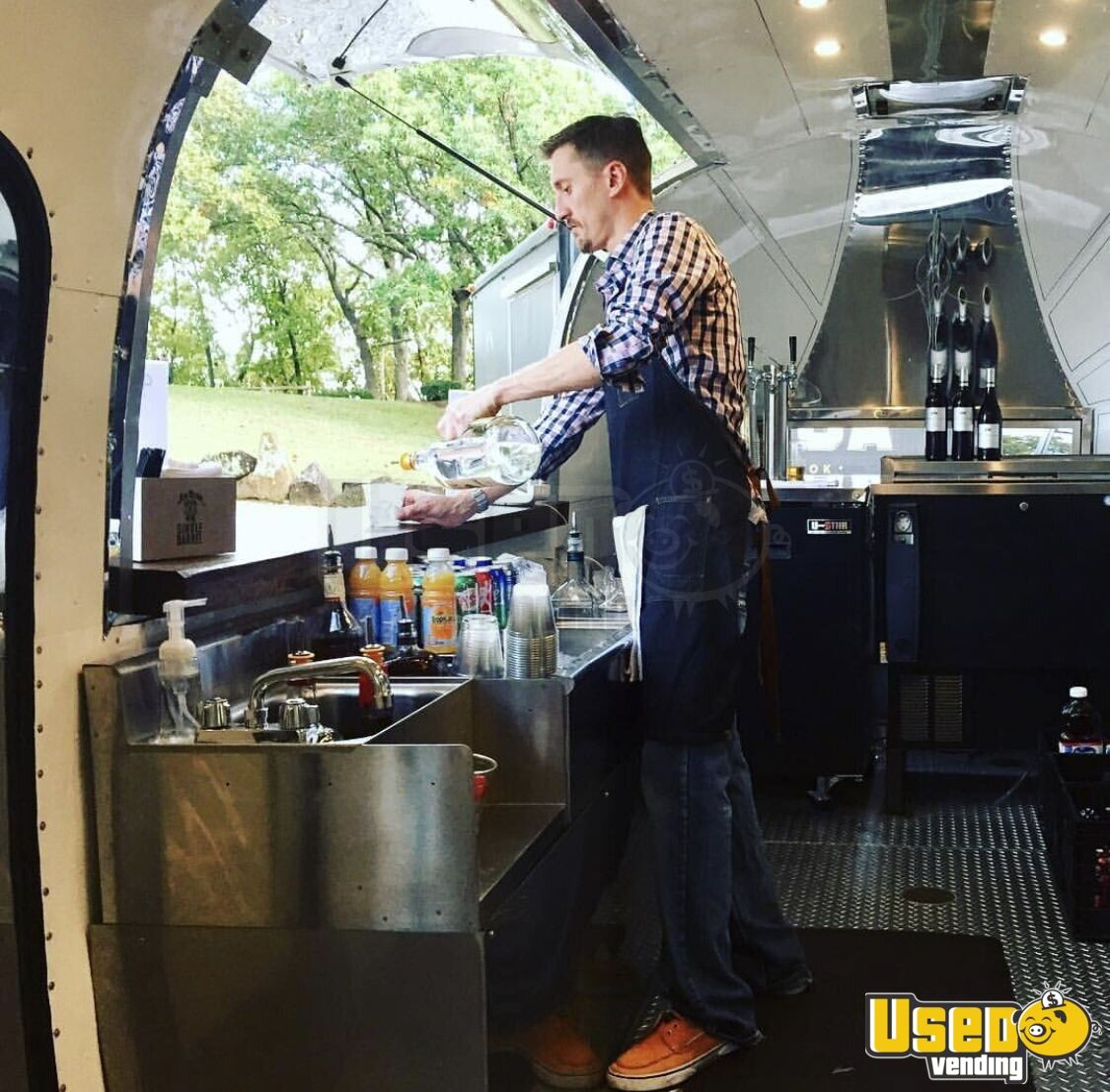 1955 Airstream Flying Cloud Whale Tail Beverage - Coffee Trailer Floor Drains Oklahoma for Sale - 6