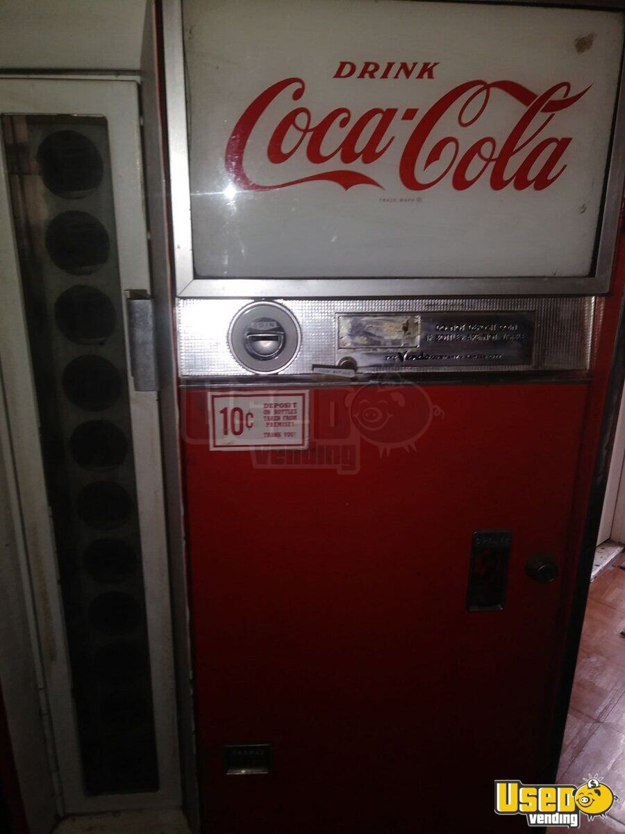 1960 Vendo Co Vendo Soda Machine 4 Louisiana for Sale - 4