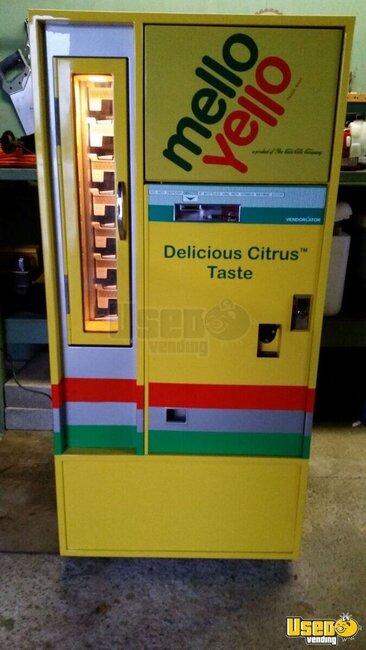 Vintage Restored 1960 Mello Yello Vendo Soda Machine For Sale In New York