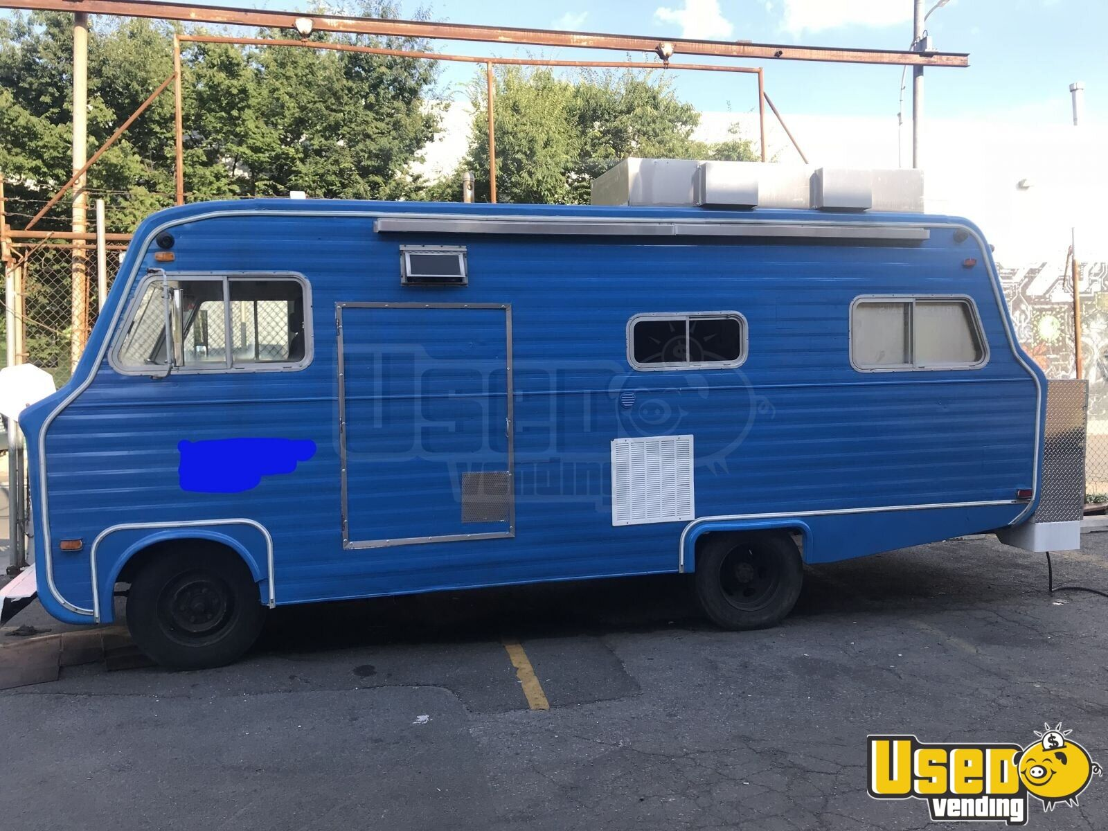 1967 Vintage D300 All-purpose Food Truck Concession Window New York Gas Engine for Sale - 2
