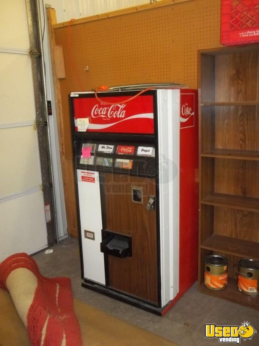 Vintage Coca Cola Vending Machine For Sale In Illinois