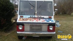 1970 Step Van Kitchen Food Truck All-purpose Food Truck Flatgrill Tennessee Gas Engine for Sale