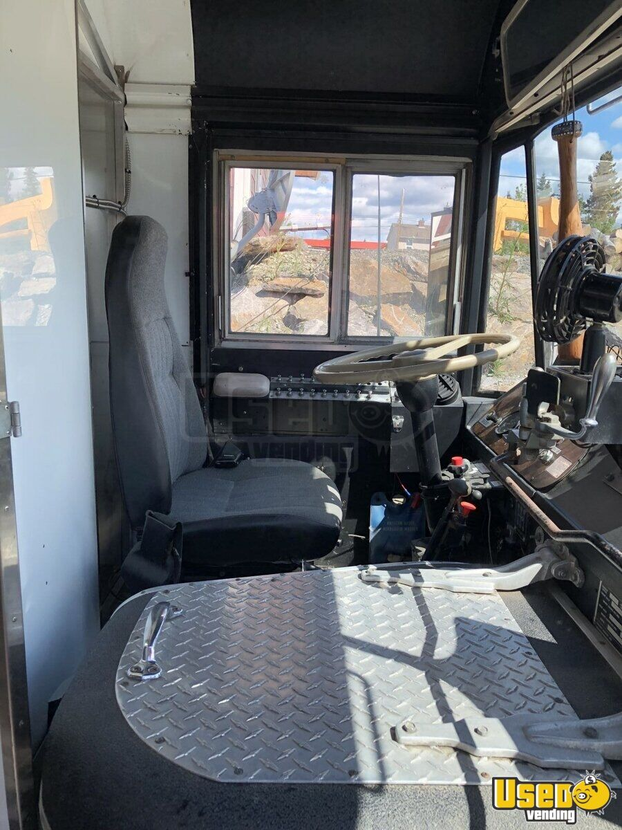 1976 Bluebird All-purpose Food Truck Interior Lighting Yukon Territory Gas Engine for Sale - 26