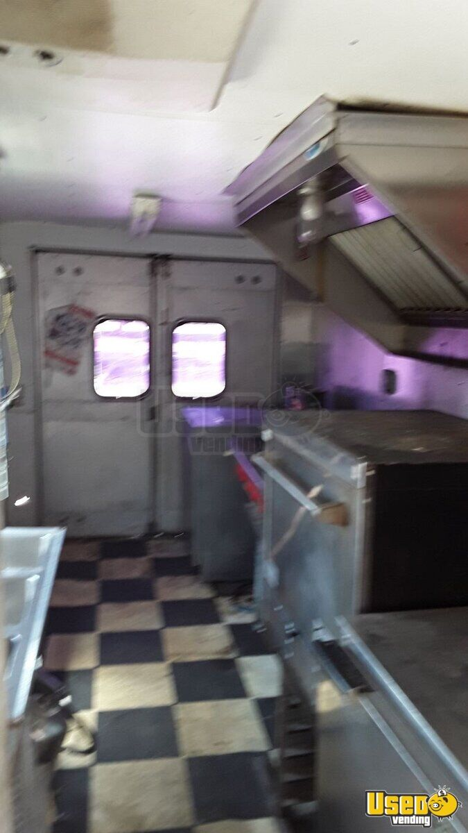 1979 Step Van Kitchen Food Truck All-purpose Food Truck Deep Freezer Texas Gas Engine for Sale - 9