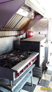 1979 Step Van Kitchen Food Truck All-purpose Food Truck Floor Drains Texas Gas Engine for Sale