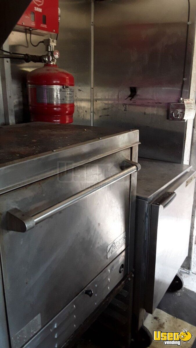 1979 Step Van Kitchen Food Truck All-purpose Food Truck Prep Station Cooler Texas Gas Engine for Sale - 11