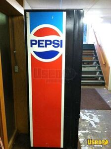 (1) - 1980's Vintage Dixie Narco 440 Pepsi Vending Machine- Works!