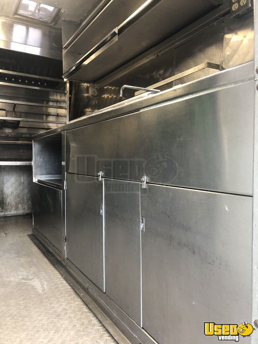1981 Ford All-purpose Food Truck Refrigerator Texas Gas Engine for Sale - 9