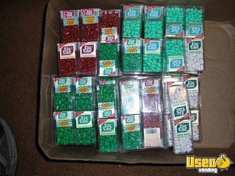 1982-1985 Candy / Capsule Rack Vending Machine 3 Colorado for Sale - 3