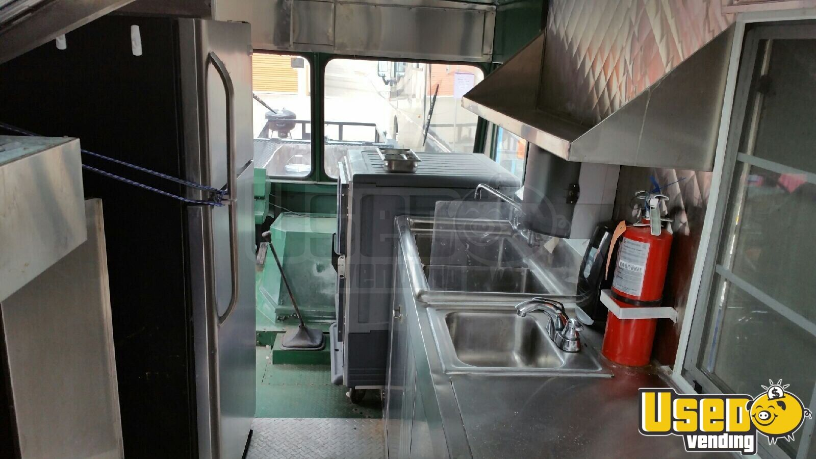 1982 Chevy All-purpose Food Truck Interior Lighting Texas Gas Engine for Sale - 13