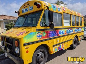 1982 Thomas Shaved Ice Truck Snowball Truck Air Conditioning California Gas Engine for Sale