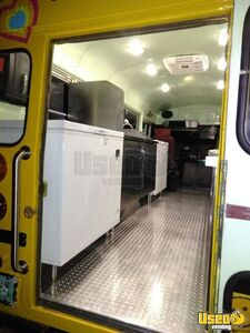 1982 Thomas Shaved Ice Truck Snowball Truck Diamond Plated Aluminum Flooring California Gas Engine for Sale