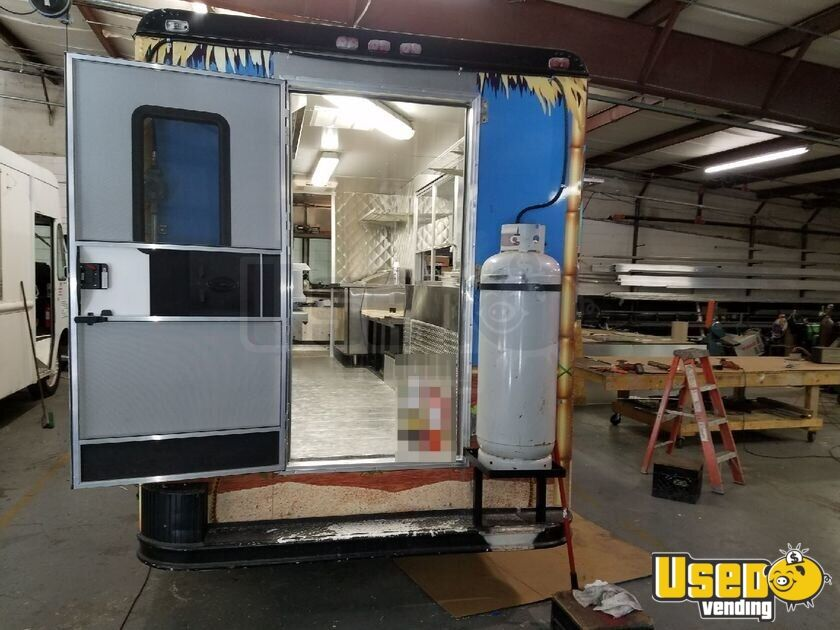1983 Gruman-olson Step-van All-purpose Food Truck Removable Trailer Hitch Florida Gas Engine for Sale - 3
