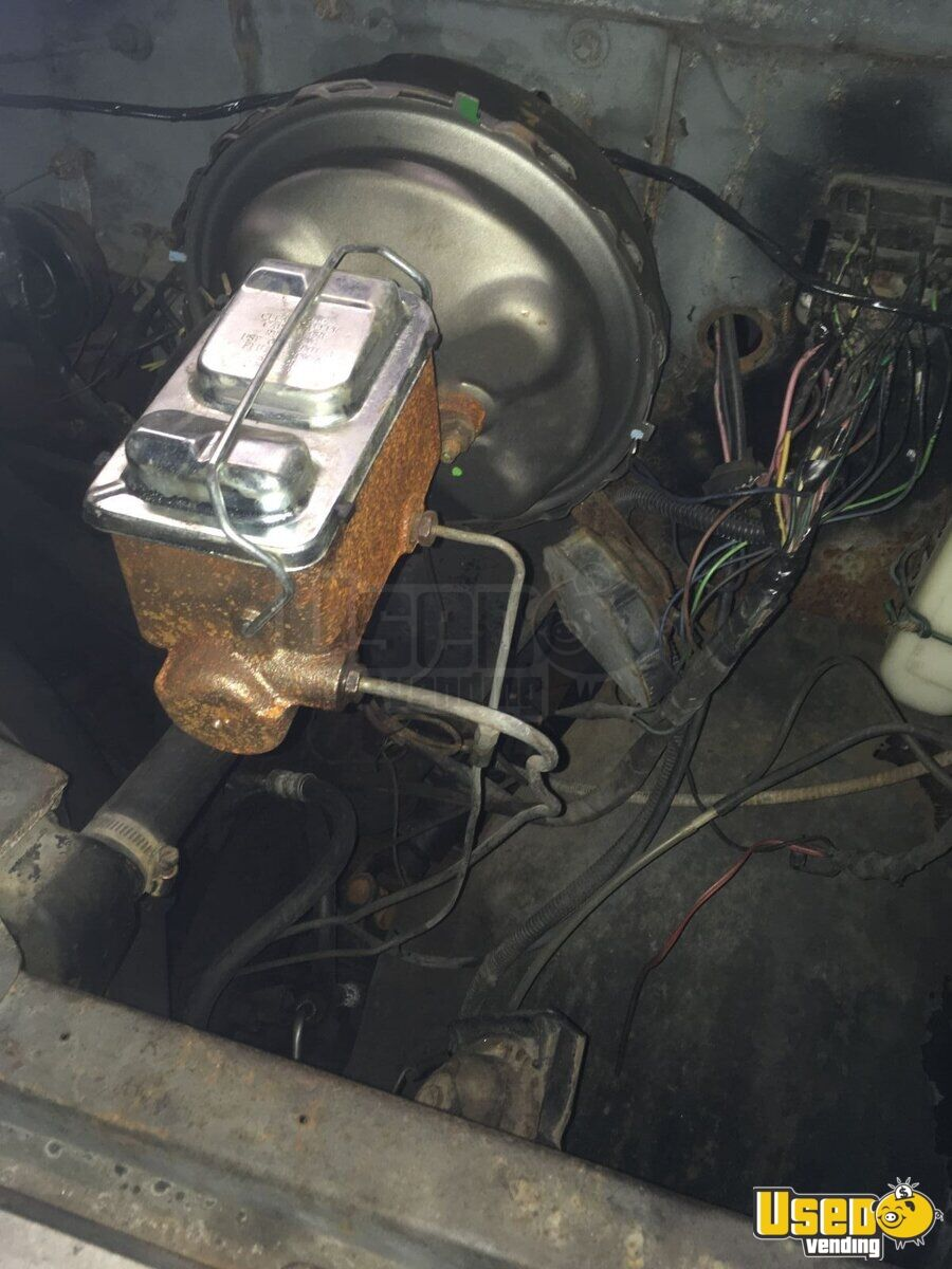 1984 Chevy P30 All-purpose Food Truck Fresh Water Tank New Jersey Gas Engine for Sale - 22