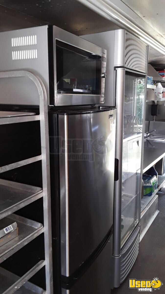 1985 Chevrolet P30 Workhorse Stepvan All-purpose Food Truck Oven Florida Gas Engine for Sale - 17