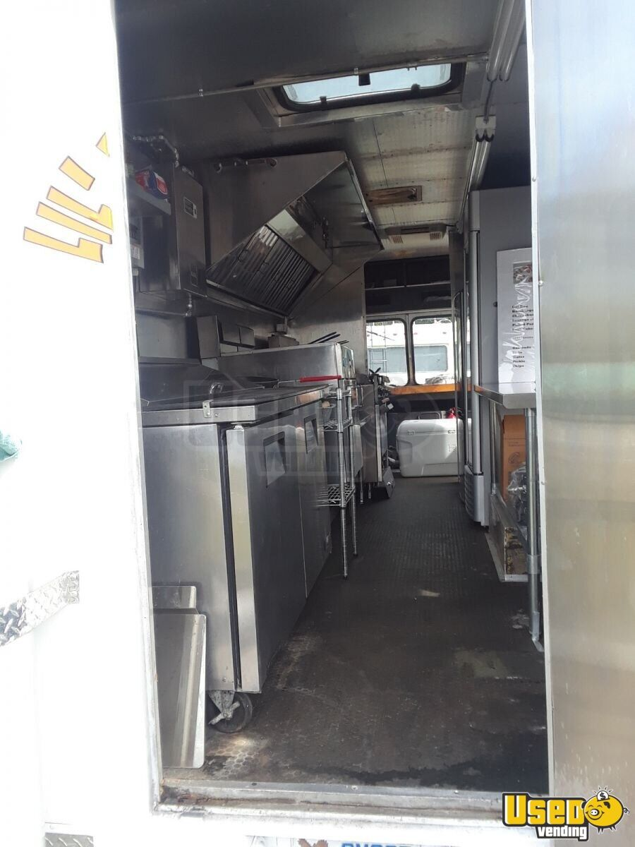 1985 Chevrolet P30 Workhorse Stepvan All-purpose Food Truck Prep Station Cooler Florida Gas Engine for Sale - 15