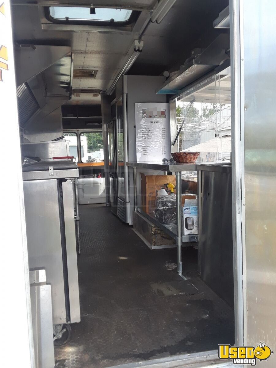 1985 Chevrolet P30 Workhorse Stepvan All-purpose Food Truck Refrigerator Florida Gas Engine for Sale - 14