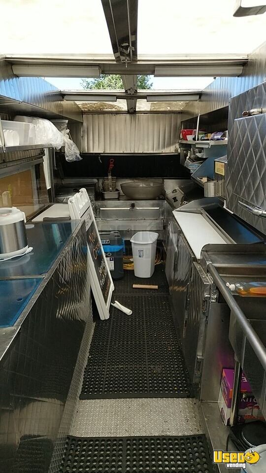 1985 Chevy P30 Strpvan All-purpose Food Truck Stainless Steel Wall Covers Washington Gas Engine for Sale - 3