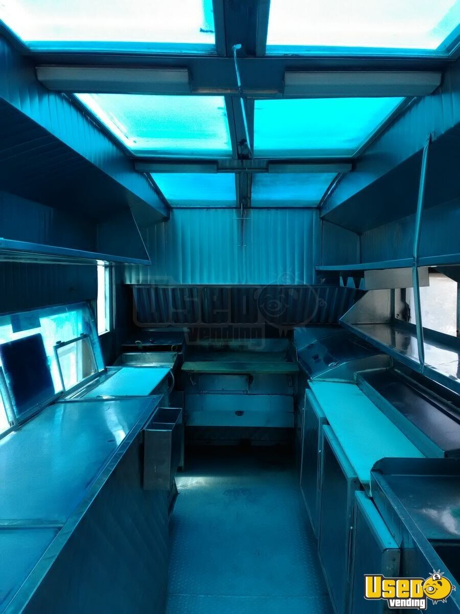 1985 P30 All-purpose Food Truck Diamond Plated Aluminum Flooring New Mexico Gas Engine for Sale - 7