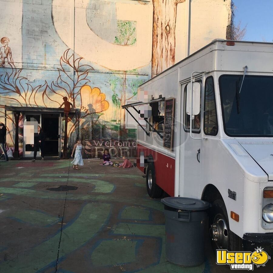 1985 P30 Step Van All-purpose Food Truck Prep Station Cooler Virginia Gas Engine for Sale - 5