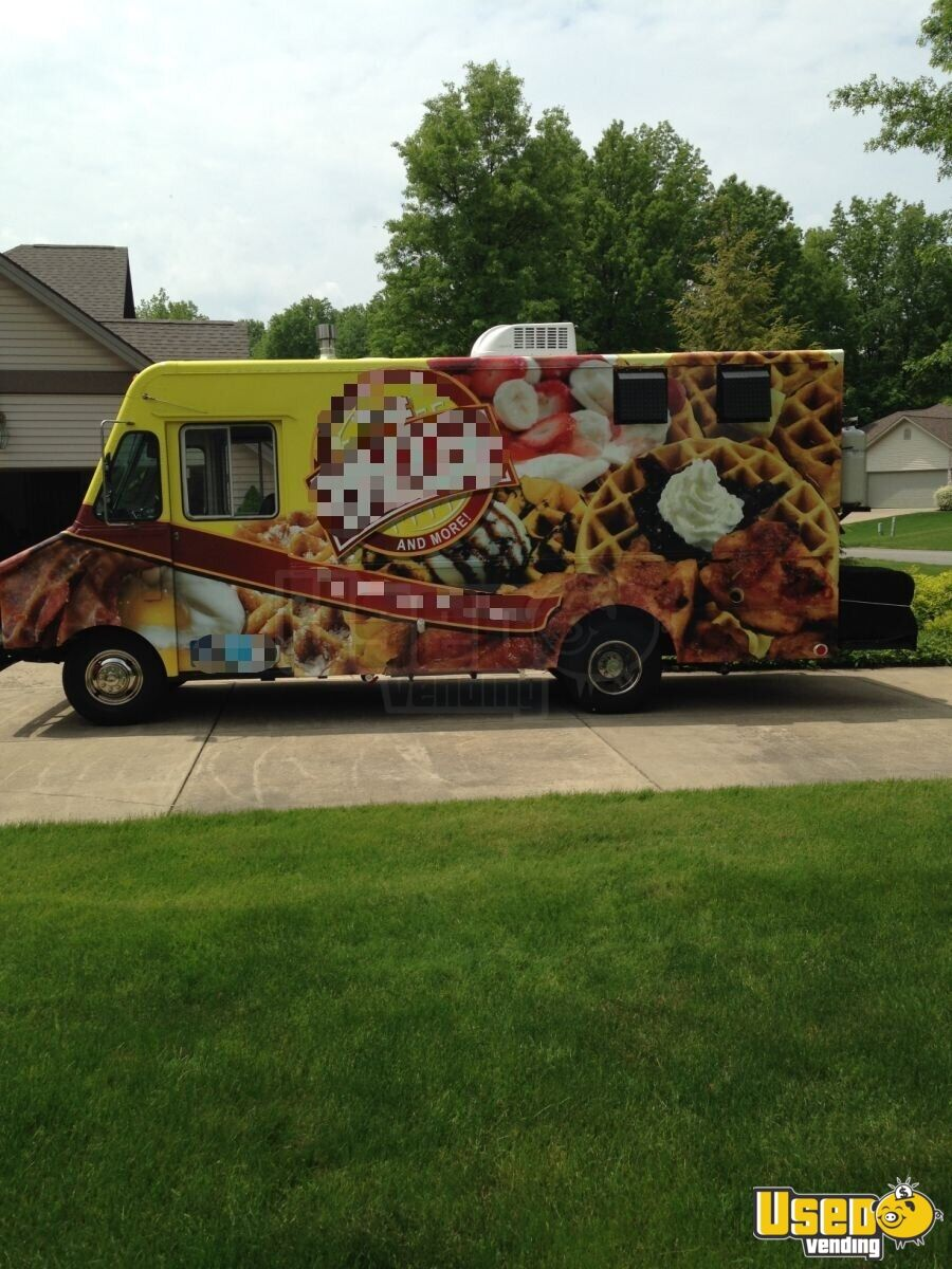 1985 Step Van Kitchen Food Truck All-purpose Food Truck Exterior Customer Counter Ohio Gas Engine for Sale - 4