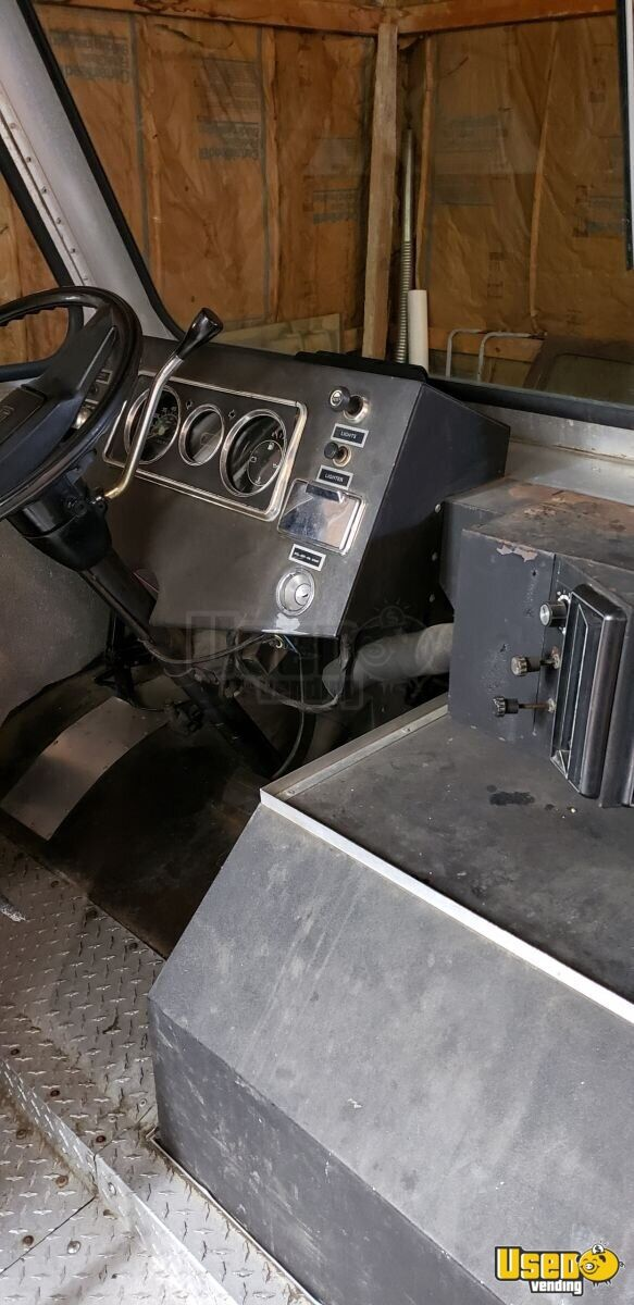 1985 Step Van Kitchen Food Truck All-purpose Food Truck Hot Water Heater Ohio Gas Engine for Sale - 20