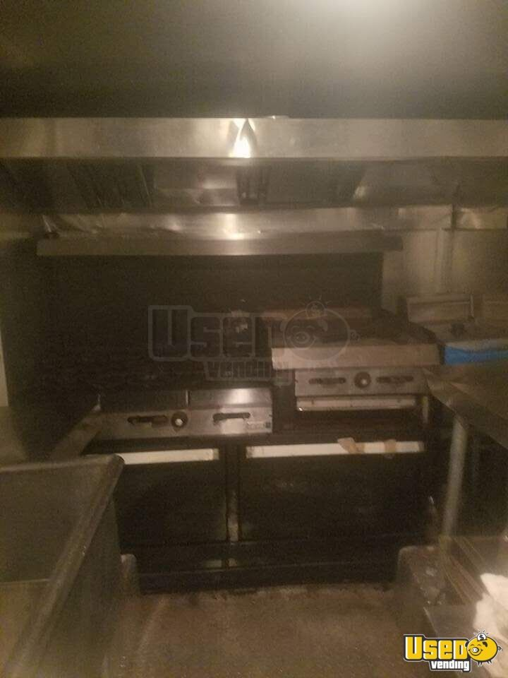1986 P3500 24' Used Barbecue Food Truck Barbecue Food Truck Awning Illinois Gas Engine for Sale - 3