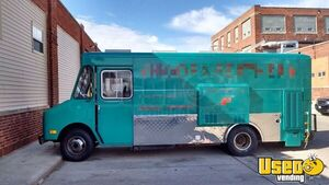 1986 Step Van Kitchen Food Truck All-purpose Food Truck Concession Window Illinois Gas Engine for Sale