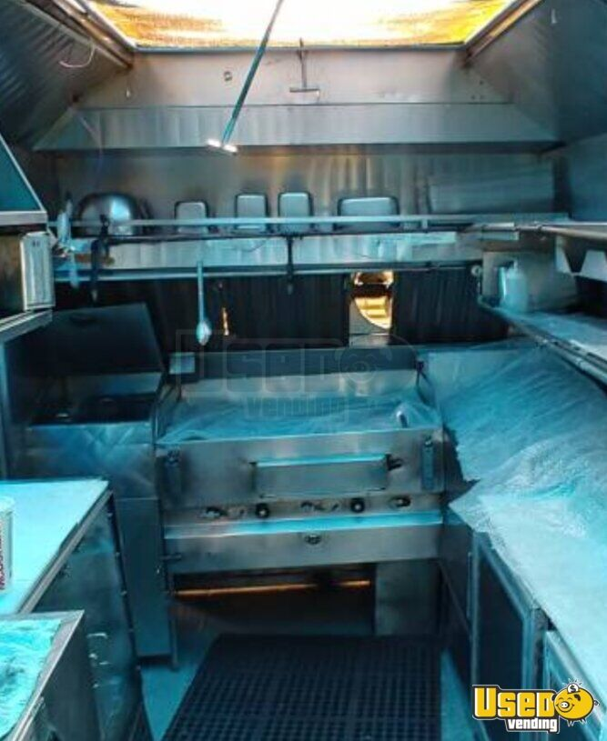 1987 Chevy P30 All-purpose Food Truck Exterior Customer Counter Texas Gas Engine for Sale - 7