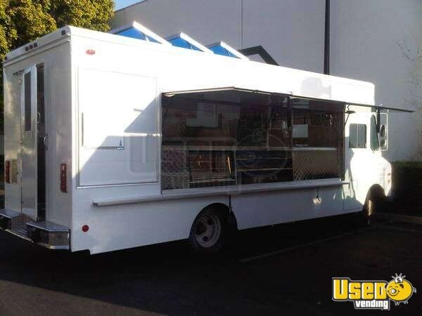 1987 Grumman Olson Kurbmaster Bakery Food Truck Cabinets California for Sale - 2