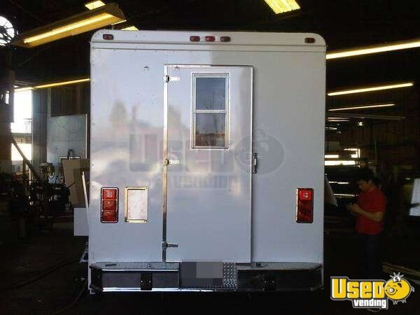 1987 Grumman Olson Kurbmaster Bakery Food Truck Generator California for Sale - 4