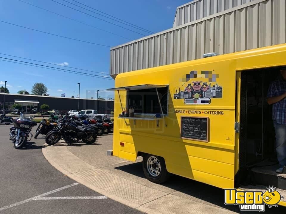 1987 P30 All-purpose Food Truck Exterior Lighting Oregon Gas Engine for Sale - 15