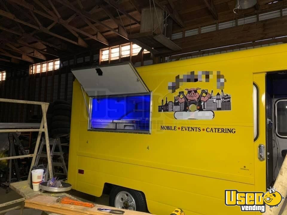 1987 P30 All-purpose Food Truck Interior Lighting Oregon Gas Engine for Sale - 16