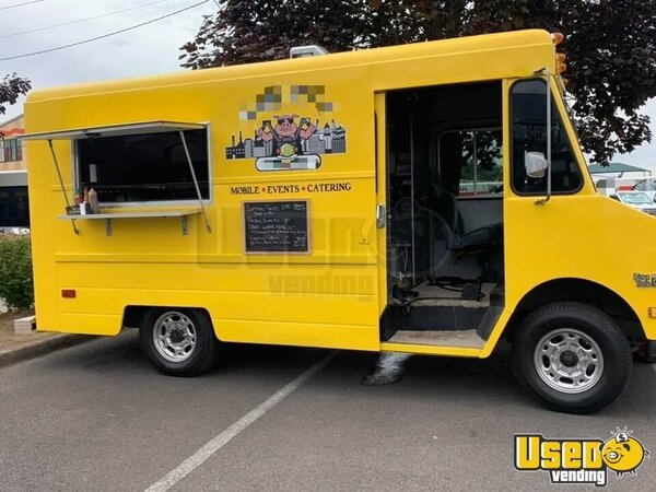1987 P30 All-purpose Food Truck Oregon Gas Engine for Sale
