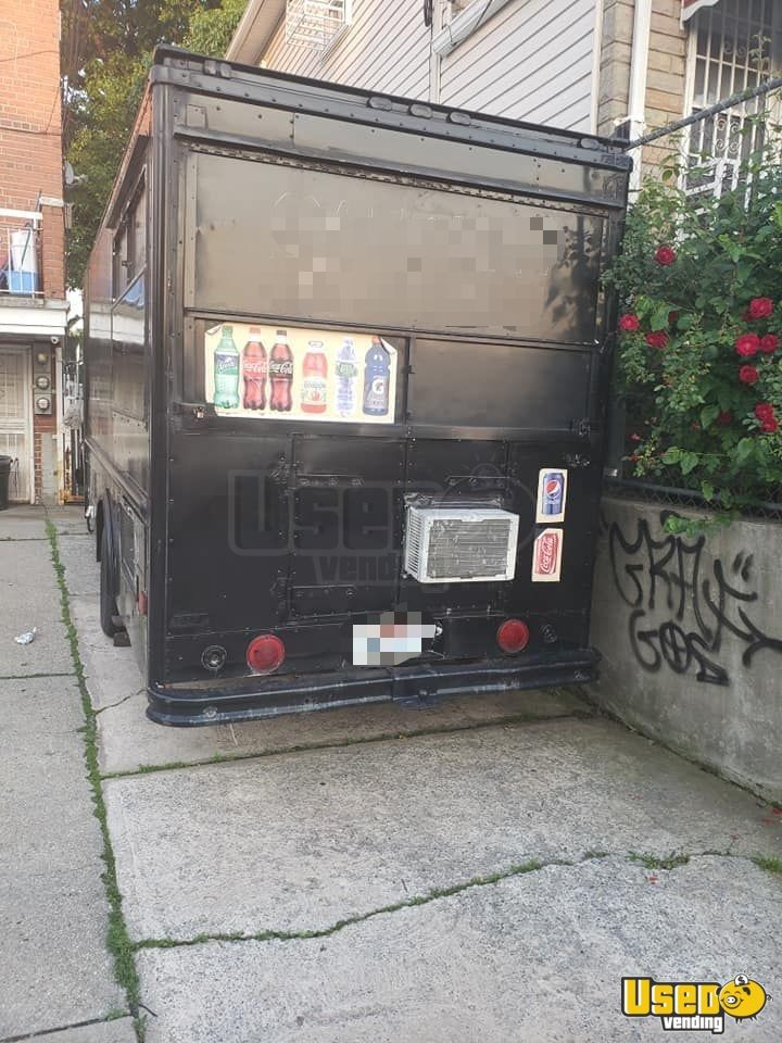 1987 P30 Step Van Kitchen Food Truck All-purpose Food Truck Concession Window New York Gas Engine for Sale - 3