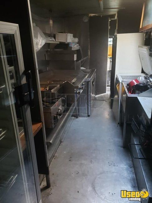1987 P30 Step Van Kitchen Food Truck All-purpose Food Truck Exterior Customer Counter New York Gas Engine for Sale