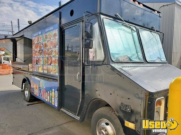 1987 P30 Step Van Kitchen Food Truck All-purpose Food Truck New York Gas Engine for Sale
