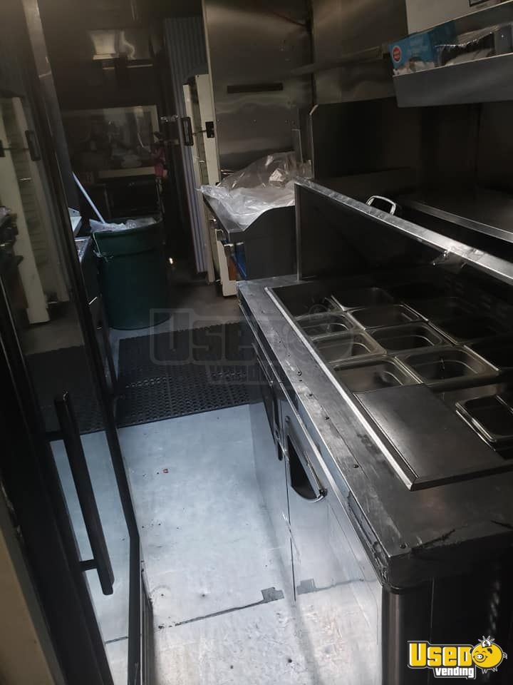 1987 P30 Step Van Kitchen Food Truck All-purpose Food Truck Refrigerator New York Gas Engine for Sale - 8