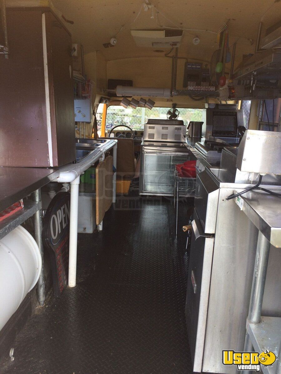 1988 Chevy Duramax All-purpose Food Truck Stovetop Texas Gas Engine for Sale - 10