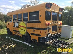 Chevy Food Bus / Truck | Used Food Truck for Sale in Texas
