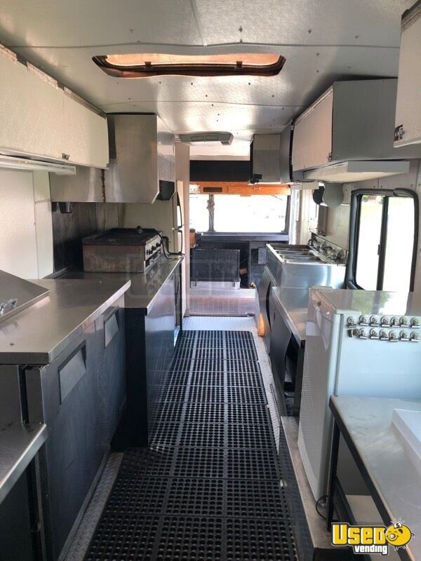 1988 Chevy Ps6500 P6t042 All-purpose Food Truck Prep Station Cooler Indiana Gas Engine for Sale - 11