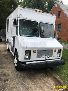 1988 P30 Kitchen Food Truck All-purpose Food Truck Cabinets Maryland Diesel Engine for Sale