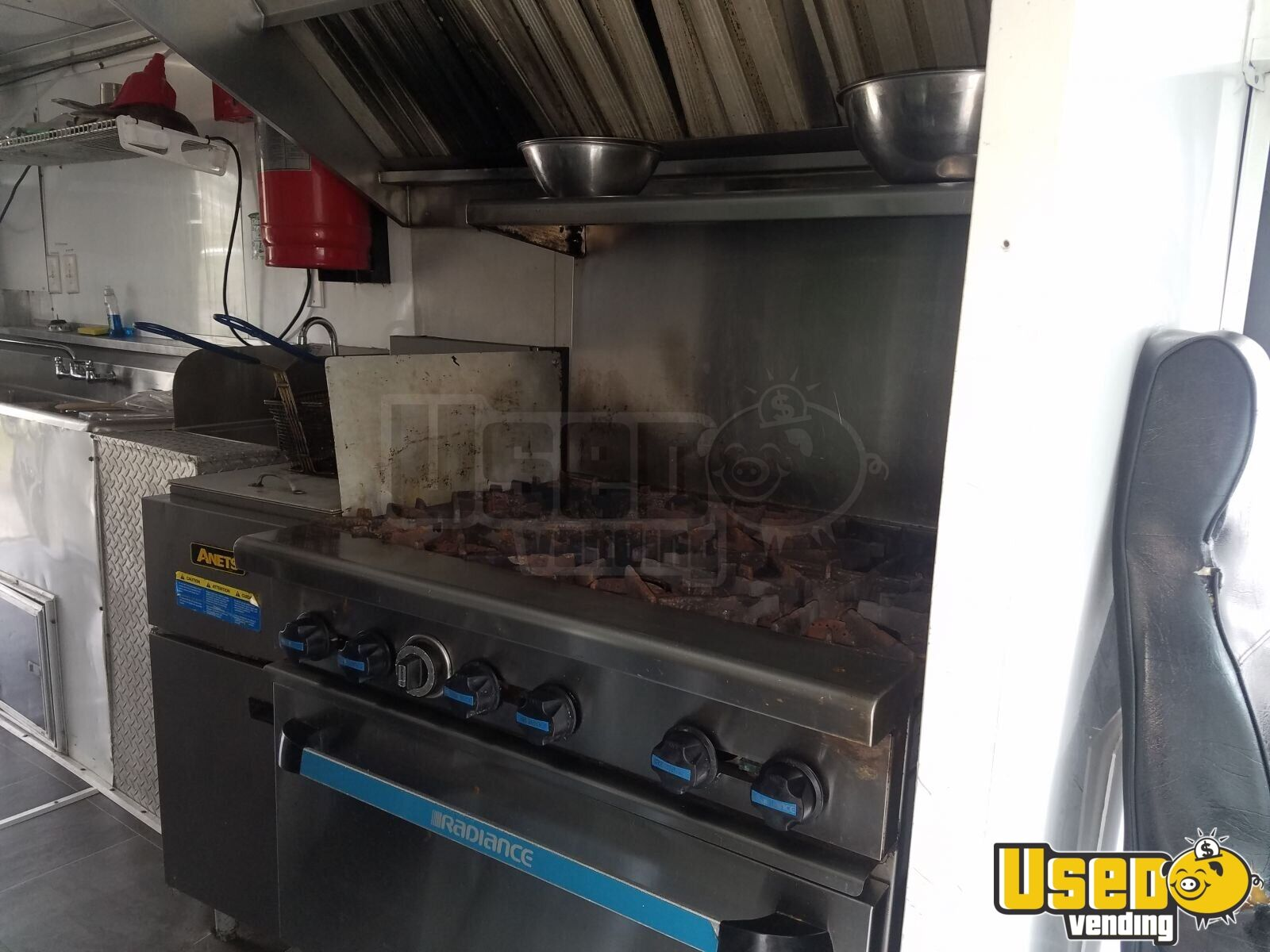 1989 Chevrolet P30 Food Truck Stainless Steel Wall Covers Louisiana Diesel Engine for Sale - 5