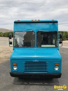 1989 Grumman Olsen Step Van Mobile Boutique Truck Awning California Gas Engine for Sale