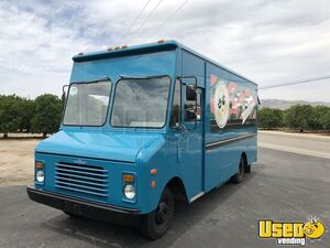 1989 Grumman Olsen Step Van Mobile Boutique Truck Insulated Walls California Gas Engine for Sale