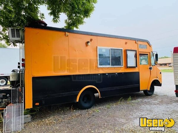 1989 P3500 Step Van All-purpose Food Truck All-purpose Food Truck Iowa Gas Engine for Sale